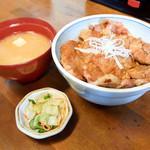 できる! - 料理写真:豚丼ごはん少なめと味噌汁