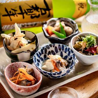 日本酒にこだわる!5勺~ご用意!ちびちび飲み比べ♪