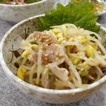 やきとん 丈屋 - ガツと豆もやしのナムル ¥300