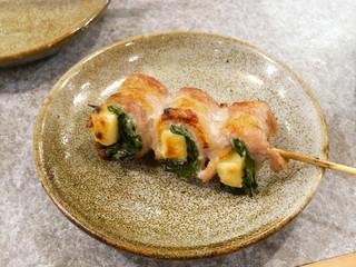 やきとん 丈屋 - ニラチーズ肉巻き ¥200