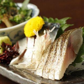 鮮度抜群!昼夜問わず味わえる、名物「鯖料理」