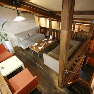 プライベート感満載のお席充実◎2Fには屋根裏部屋も…!