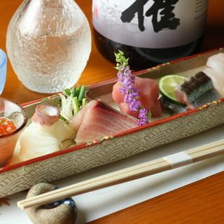 九州で水揚げされた魚介を生簀から調理。鮮度抜群だから旨い。