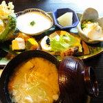 食事・喫茶 うふふ - うふふ膳3
