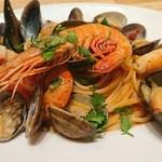 95550427 - カンパーニャ州ナポリの豪快な魚介のパスタペスカトーラ(1680円)