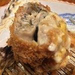 Katsukichinihombashitakashimayaesushiten - 牡蠣は数粒まとめ揚げ