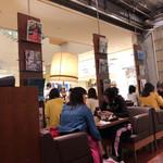 カフェ&ブックス ビブリオテーク - 店内♪