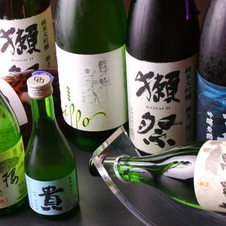 自慢のとらふぐ料理をこだわりの日本酒と共に