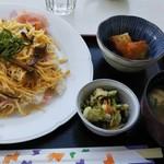 ポポロ - 料理写真:チラシ寿司大盛とは嬉しいです。