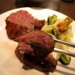 牛たん炭焼き 利久 - 牛タン「極」を食べる