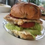 メルシーズ カフェ - 料理写真:ハンバーガー!野菜たっぷり!