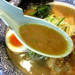 麺屋 青山 - どろっと濃厚な豚骨醤油スープ!