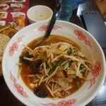 中華料理 醉拳 - 料理写真:ホルモンラーメン。ホルモン入り野菜炒め醤油ラーメン。