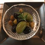 ピッツェリア ダ マルコ - オリーブ4種