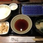 天ぷら那かむら - 料理写真:天ぷら食べるスタンバイ出来ました ご飯・味噌汁・天つゆ・お漬物