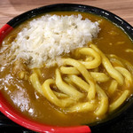 極楽うどん TKU - チーズカレーうどん(麺見せ)