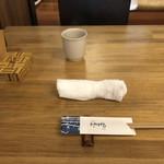 蕎麦 坐忘 - テーブル