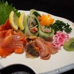 万福寿司 - 赤貝お造り