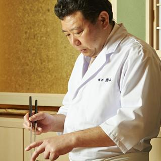 料理人・奥山孝氏は織り成すお料理は、素材の味が生きている。