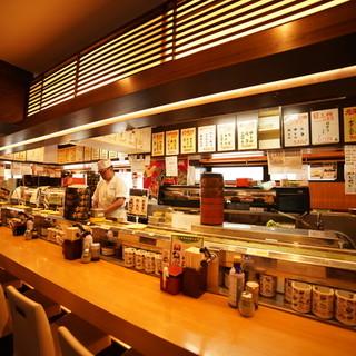 回転寿司なのに職人が握る本格寿司の新鮮さと旨さを楽しめる!