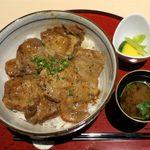 兎に角 - スタミナ豚丼のアップ