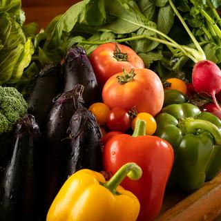 野菜ソムリエの資格を持つ料理長が毎朝仕入れる朝採れ野菜♪