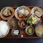 9560285 - お昼の定食
