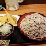 なごみそば - 天ぷらそば680円+麺特盛200円