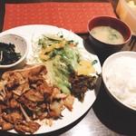 95608027 - 豚肉と野菜のたまり醤油炒め850円^ ^