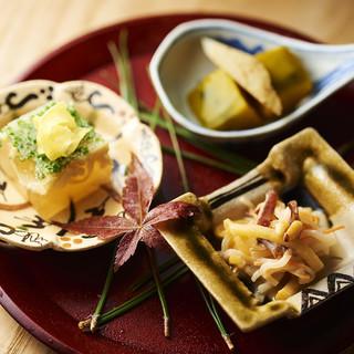 「鶏×割烹」が提供するこだわりのコース料理