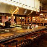ワイン食堂 Marugo - 臨場感溢れてます