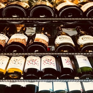 ◇世界各国から厳選したワイン50種類以上◇月替りワインも