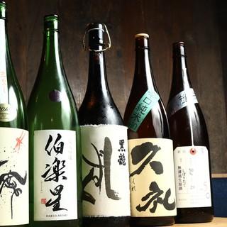 豊富な種類の日本酒や酒蔵から仕入れたウイスキーとジンが魅力♪