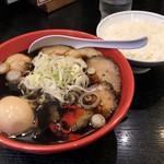 95623513 - 味玉肉入りそば 1350円、白飯(富山米)160円