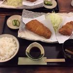 95624189 - ロース・ひれ盛り合わせ定食