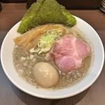 麺屋りゅう - 料理写真:背脂煮干しそば + 味玉