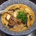 麺匠 黒春晴 - 濃厚焦がしニンニク鶏白湯そば