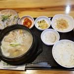 韓国家庭料理 炭火焼肉 しんちゃん - サムゲタンセット
