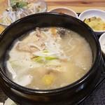 韓国家庭料理 炭火焼肉 しんちゃん - サムゲタン