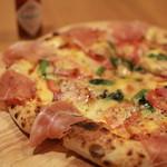 石窯ピザ&ダイニング LIBEROcafe - リベロピッザ。迷った時はこれ!シェフの気まぐれピッザです。