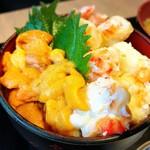 95631103 - ウニ、タラバ丼