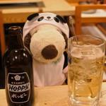 六文銭 - 今日はホッピーにも挑戦! ホッピーはビール風味の飲み物で、お酒と混ぜて飲むんだって。 ボキは焼酎で割ったよ。う~ん、ビ~ルテイスト~♪初もんじゃで晩ご飯を済ませたボキらは、 今晩泊まるホテルへ・・・