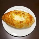 コシニール ベーカリーカフェ - チーズ好きクッペ