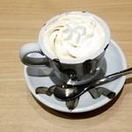 Cafe Renoir - ウインナーコーヒー:580円