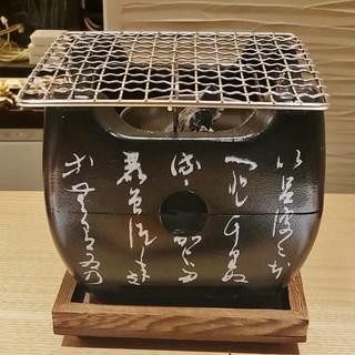 """旬味を味わう天ぷら。飛騨コンロの""""火遊び""""を楽しむ炭火焼"""