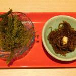 95640843 - 沖縄産海ぶどう&出汁もずく(先付け2種)堪能 あぐー豚のコース