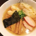 95645000 - 特製ワンタン麺ハーフ白(1,000)