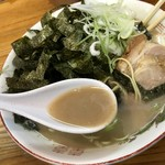 恵比須 - 爆濃スープ!旨い。
