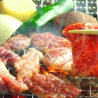 食べ放題コースで味わえるステーキ、牛タン、牛サガリに自信!