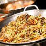 神戸クックワールドビュッフェ - 『韓国風ビビンバ』 肉と野菜をバランス良くミックスした、日本でもおなじみの韓国料理!